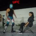 ............. quando na luta de UFC a clínica de heterificação colocou uma xoxotinha ali pra tentar heterificar os lutadores otacus, e um deles dança ainda gayzamente mas se aproxima da xoxota enquanto o outro fica com ciúmes heptagayzos e ataca