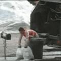 Dat frustrated worker hahahahahahhaha