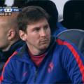Messi trae algo entre manos