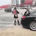 ....... Xoxota's Power. Quando na china a coitada da chinesa não tem como usar a xoxota, já que os otacus só querem pênis, e acaba treinando aberturas xoxotais absolutamente tetraloucas