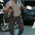 Polícia dançadeiro